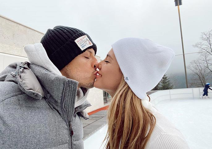 Hernandez-Salah-love-kiss