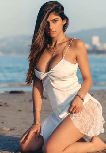 Mia-Khalifa-White-Sexy-model